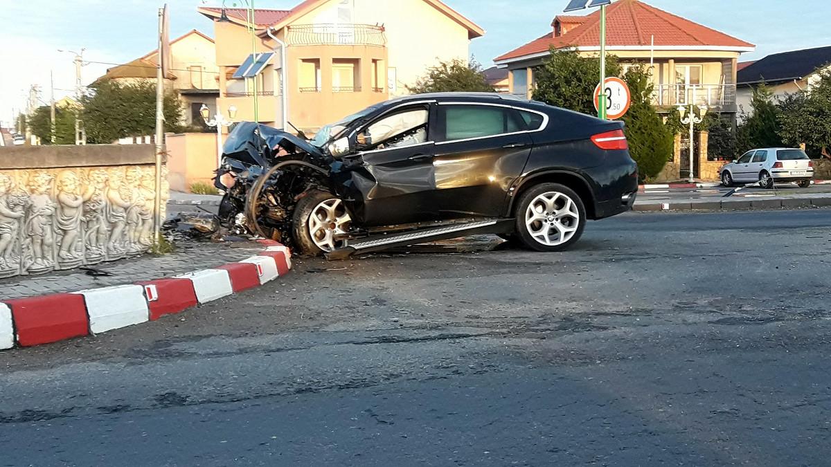 accident sens giratoriu Navodari