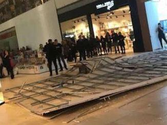 Tavan prăbușit la City Park Mall Constanța. FOTO CTnews.ro
