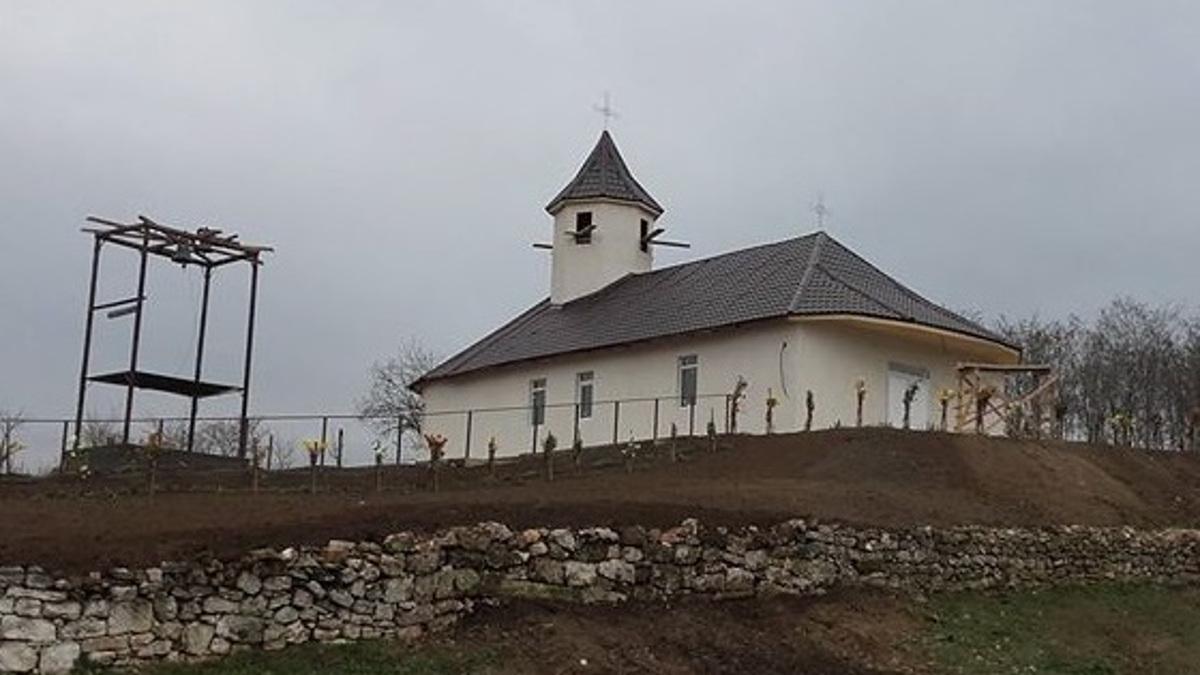 noua biserica Lespezi