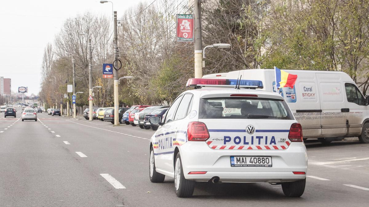 Polițiștii au asigurat dirijarea traficului rutier. FOTO Cătălin Schipor