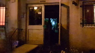 Pompierii costănțeni au intervenit pentru stingerea unui incendiu izbucnit într-un bloc. FOTO ISU Dobrogea