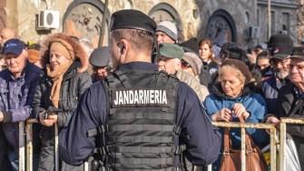Jandarmii au avut misiunea de a asigura liniștea și ordinea publică. FOTO Cătălin Schipor