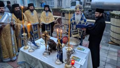 Arhiepiscopul Tomisului a oficiat slujba de Sfinţire Mare a apei