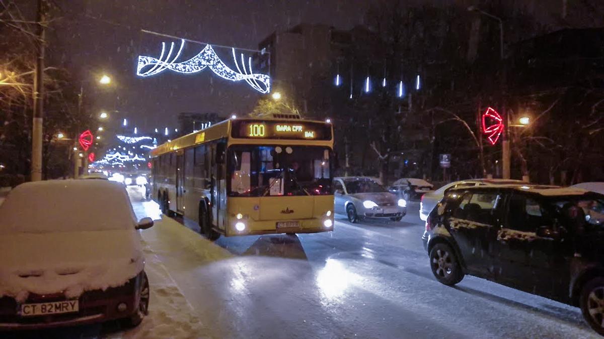 Iarna in Constanta, ninsoare, autobuz