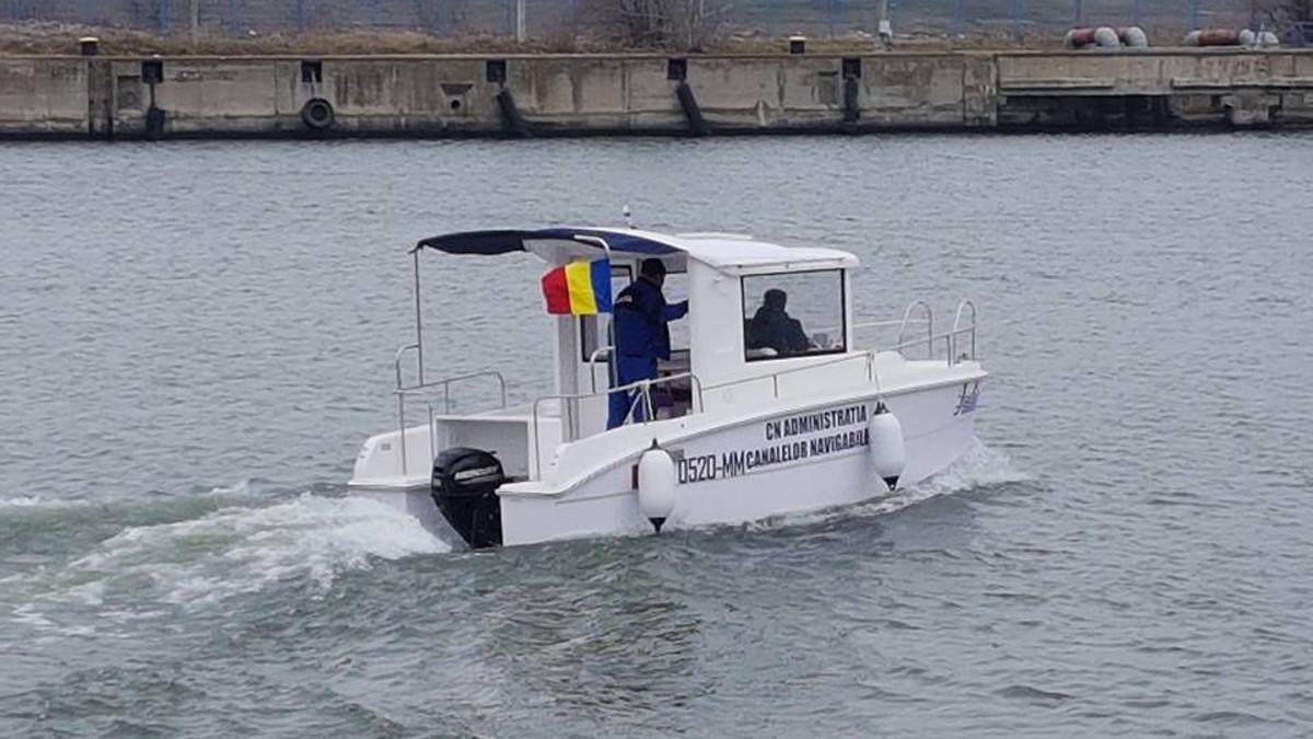 Lansare la apa salupa Iulia ACN (1)