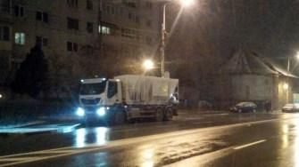 Utilajele Polaris au intervenit și au împrăștiat material antiderapant în municipiul Constanța. FOTO Primăria Constanța