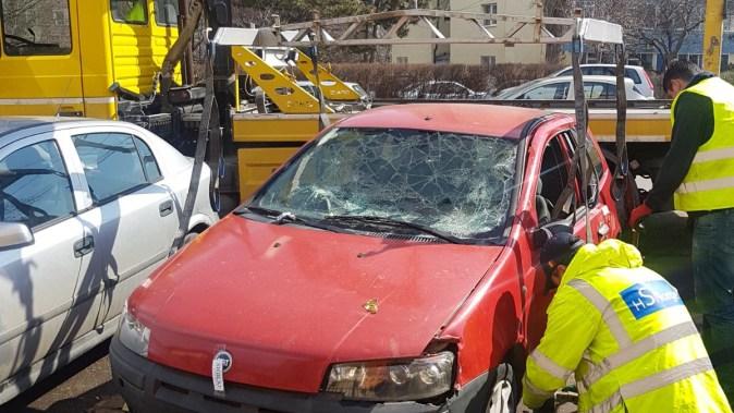Mașinile abandonate sunt ridicate de pe domeniul public.. FOTO Poliția Locală Constanța