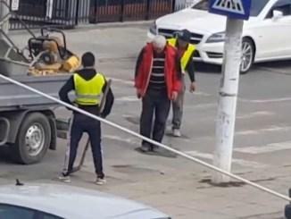"""""""Asfaltare"""" cu piciorul la Mangalia. FOTO Captură video"""