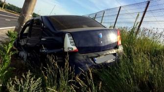 În urma impactului, una dintre mașini a fost proiectată în afara drumului. FOTO IPJ Constanța