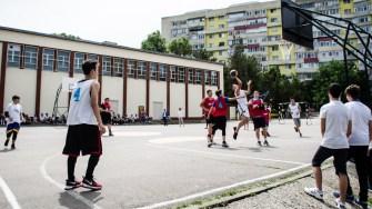 Echipa de baschet a școlii a oferit un meci demonstrativ. FOTO Cătălin SCHIPOR