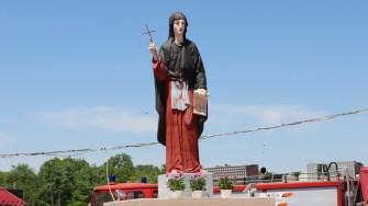 Statuia Sfintei Paraschiva binecuvântează comuna Saraiu. FOTO Adrian Boioglu
