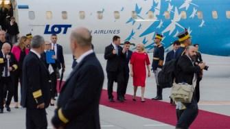 Cei doi prim miniștrii au fost așteptați cu covorul roșu, garda de onoare și de oficialități. FOTO Cătălin SCHIPOR
