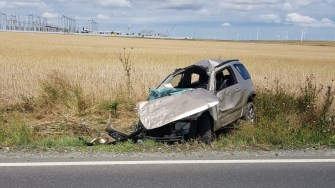 Un autoturism s-a răsturnat în apropiere de localitatea Mihai Viteazu. FOTO SAJ Constanța