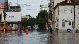 Ploile abundente au inundat mai multe șosele din Constanța. FOTO Arhiva CTnews.ro