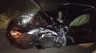 În urma impactului, cele două mașini au fost grav avariate. FOTO ISU Dobrogea