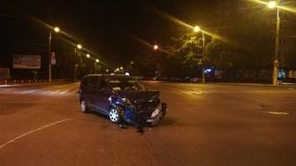 Mașina șoferului neatent a fost avariată. FOTO ISU Dobrogea