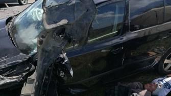 În urma accidnetului, mașinile implicate au fost avariate serios. FOTO IPJ Constanța