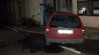 Autoturismul condus de bărbatul din Negru Vodă a intrat în clădirea Poliției de Frontieră. FOTO IPJ Constanța