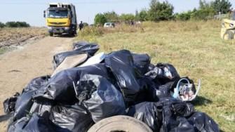 Voluntarii din Cumpăna au strâns aproape 200 de saci cu deșeuri. FOTO Primăria Cumpăna