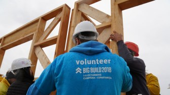 A început construcția celor opt case Habitat for Humanity la Cumpăna