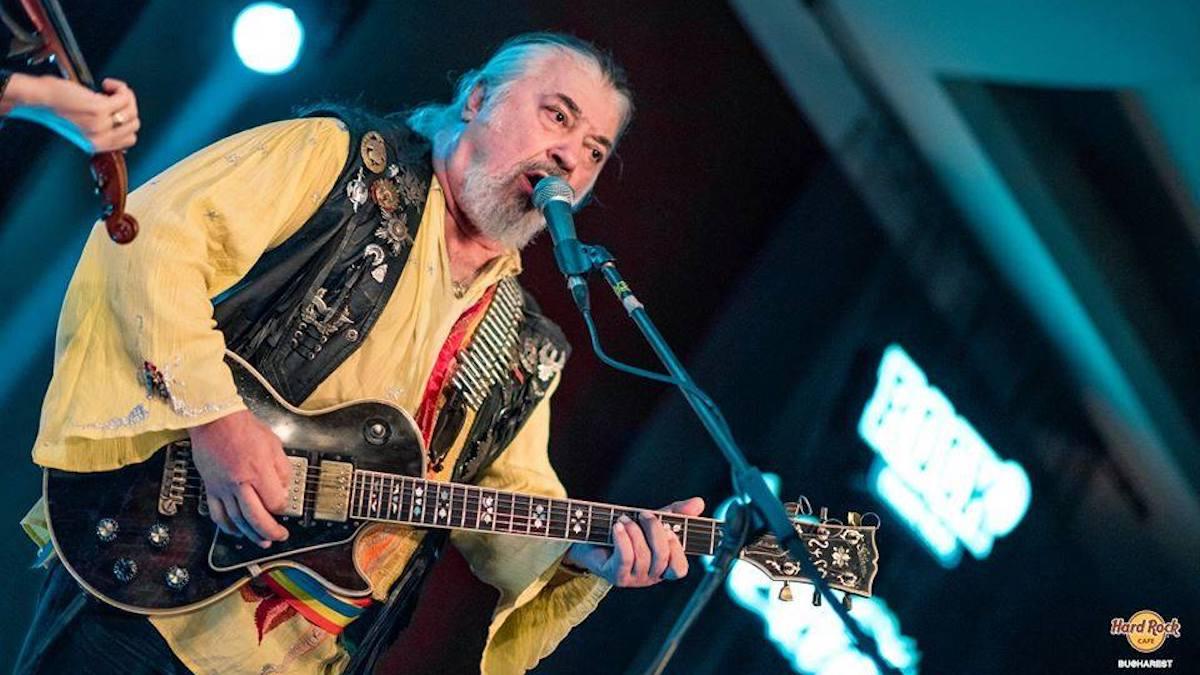 Nicu Covaci și trupa Phoenix vin la Constanța. FOTO Hard Rock Cafe