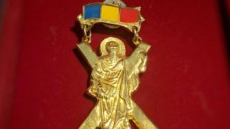 """Distincția eparhială a Arhiepiscopiei Tomisului pentru mireni """"Crucea Sf. Ap. Andrei. FOTO Tomisul Orodox"""