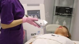 Proceduri de înfrumusețare la New York Beauty Salon Constanța FOTO Adrian Boioglu