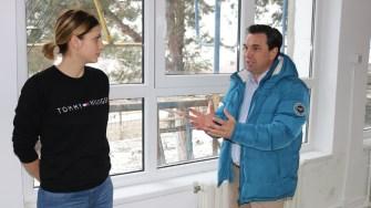 Primarul din Cernavodă, Liviu Negoiță, în vizită la creșa numărul 1. FOTO Adrian Boioglu