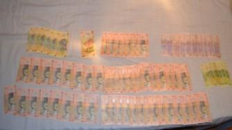 În urma perchezițiilor au fost găsite mai multe produse ilegale și sume de bani. FOTO Poliția de Frontieră