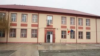 Școala din comuna Mihai Viteazu. FOTO CTnews.ro