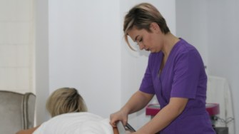 Tratament anticelulitic la New York Beauty Salon Constanța. FOTO Ctnews.ro