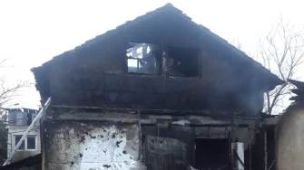 Incendiu la o casă din 2 Mai. FOTO ISU Dobrogea