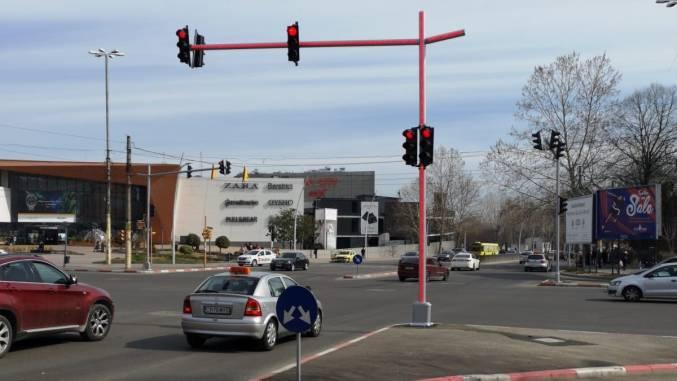 Semafor cu stâlp luminos la Constanța. FOTO Primăria Constanța