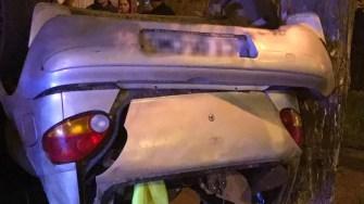 În urma accidentului, Matizul a fost aruncat în afara părții carosabile. FOTO IPJ Constanța