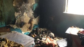 Locuința a fost puternic afectată de incendiu. FOTO ISU Dobrogea