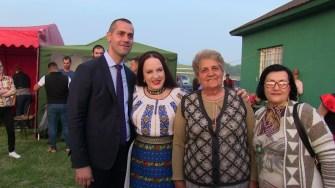 Primarul George Ionașcu și Maria Dragomiroiu la Ziua comunei Mircea Vodă. FOTO Ctnews.ro