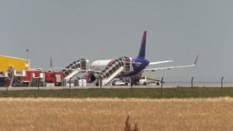 Cursă Wizz Air blocată pe Aeroportul Mihail Kogălniceanu, Constanța. FOTO Captură Video