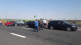Mai multe echipaje de salvare au intervenit la accidentul de pe Autostrada A2. FOTO IPJ Constanța