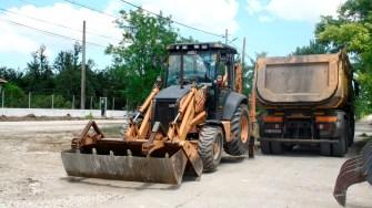 Lucrări de asfaltare în comuna Albești. FOTO Ctnews.ro
