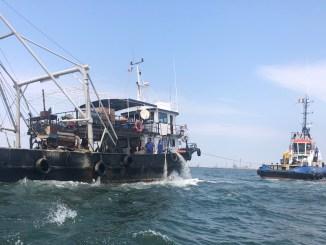 Pescadorul Callatis a fost adus la mal. FOTO Rompetrol
