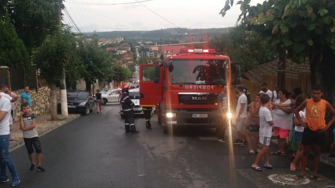 La accident au intervenit pompierii pentru descarcerarea victimelor. FOTO ISU Dobrogea