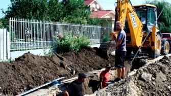 Lucrări de canalizare în comuna Poarta Albă. FOTO Ctnews.ro