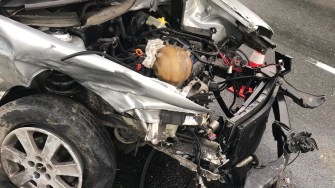 Mașina scăpată de sub control a intrat pe contrasens. FOTO CTnews.ro