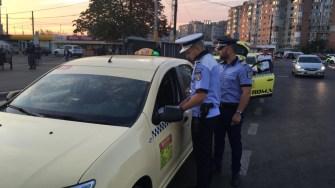 Polițiștii au verificat taximetriștii din zona Gării CFR Constanța. FOTO CTNews.ro