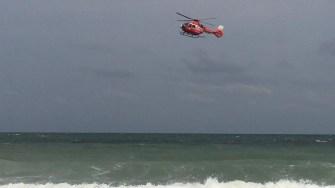 Elicopterul SMURD a survolat zona unde dispărut tânărul. FOTO CTnews.ro