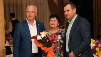 Primăria Medgidia i-a premiat pe tinerii majori, pe cei proaspăt căsătoriți și cuplurile cu 25 și 50 de ani de căsnicie. FOTO Primăria Medgidia
