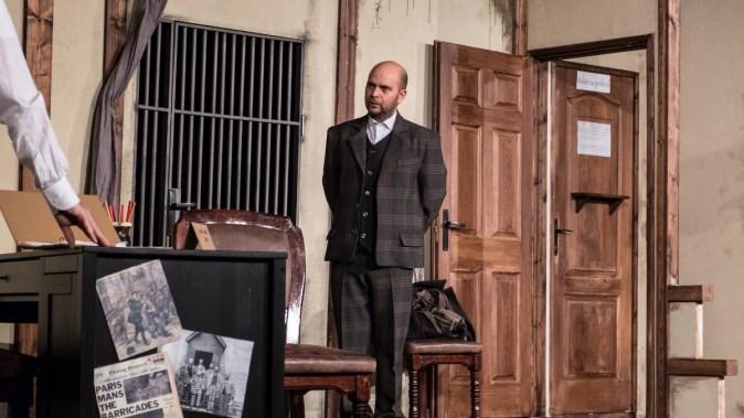 """Constănțenii sunt așteptați la comedia polițistă """"Capcană pentru un bărbat căsătorit"""". FOTO Teatrul ELISABETA"""