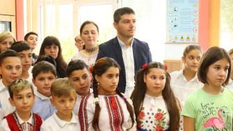 """Ziua Liceului Tehnologic """"Ion Podaru"""" cu ocazia Zilei școlii, patronată de Sf. Apostol Andrei. FOTO Primăria Ovidiu"""