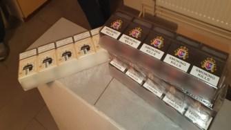 La percheziții au fost găsite și țigări de contrabandă. FOTO Poliția de Frontieră