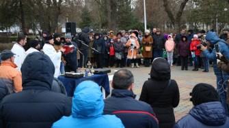 Și la Medgidia, preoții au sfințit apele și au împărțit credincioșilor aghiazmă. FOTO Primăria Medgidia